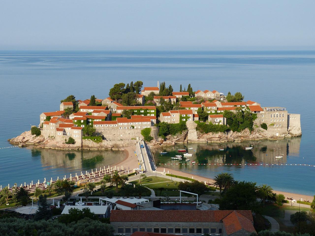 Септемврийски празници в Будва, Черна гора